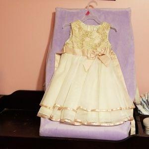 3t rare editions beatiful dress